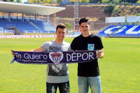Álex Alonso y Joshua Zapata al ser presentados con el Dépor | Foto: @deporguada