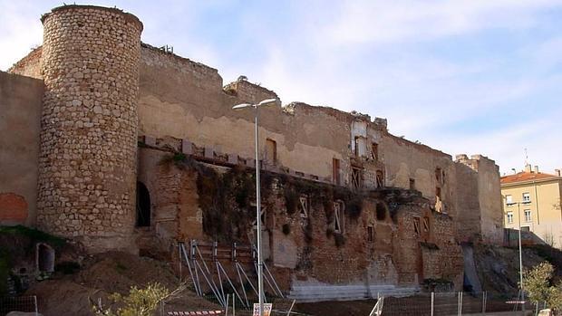 Alcázar Real visto desde el parque del Barranco del Alamín. // Foto: ABC